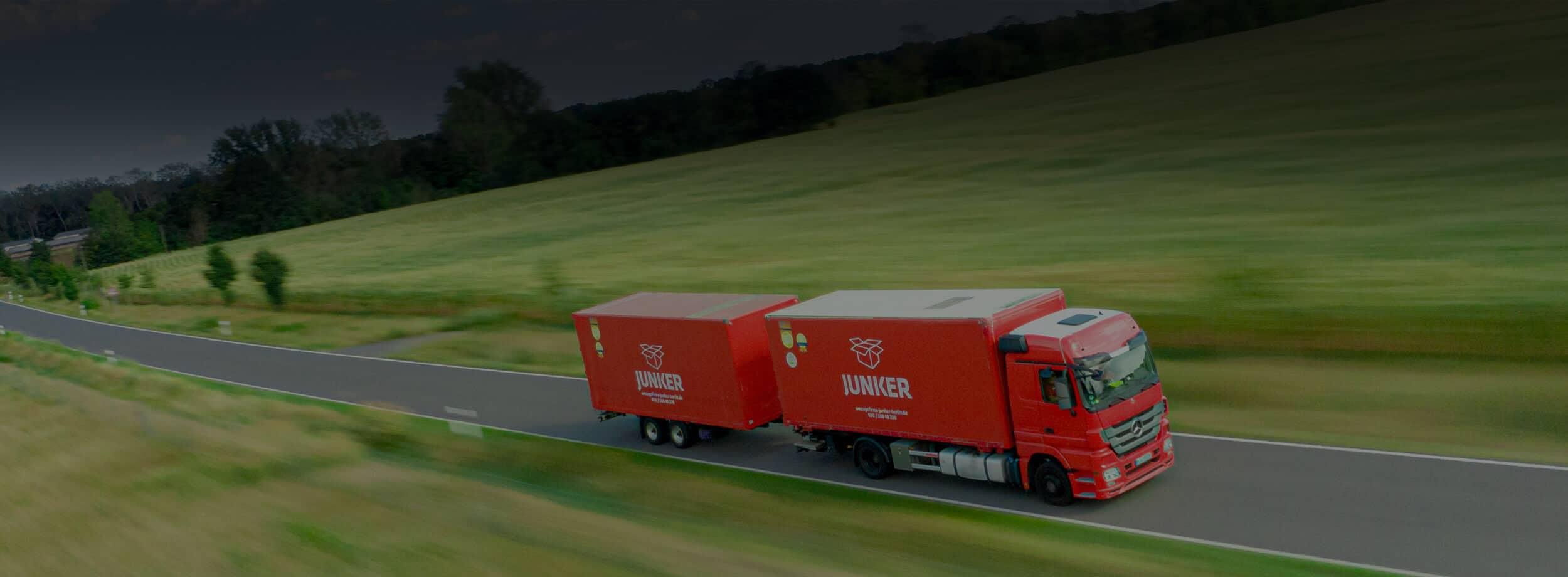 Junker Umzüge Berlin - Umzugs-LKW auf dem Weg